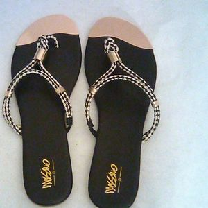 Mossimo Black W/ gold toe Slide Sandal Size 10